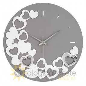 round wall clock with hearts, gift idea for valentin's day