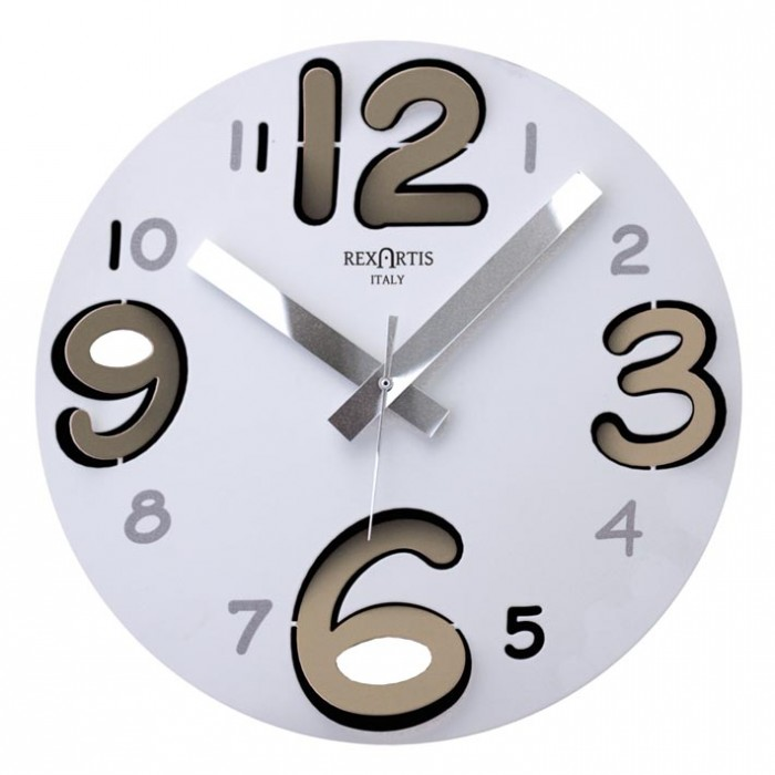 ROUND WALL CLOCK WITH LIGHT TAUPE NUMBERS